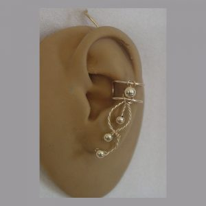 Ear cuff in gold